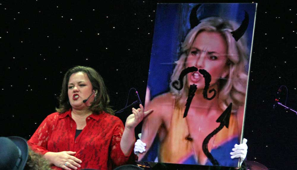 Does Rosie want to settle her feud with Elizabeth Hasselbeck on The View?